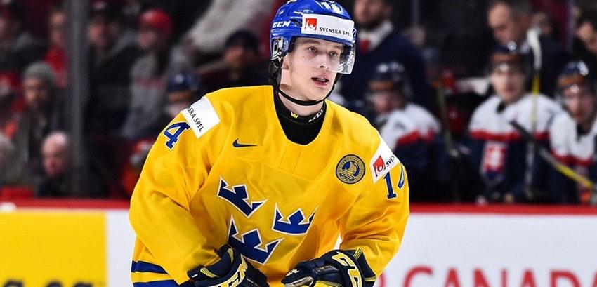 Elias Pettersson ikapp Forsberg på poäng